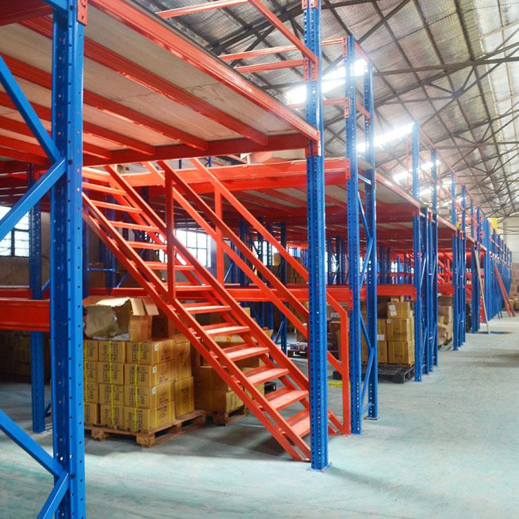 阁楼货架与传统堆放仓库货架相比有哪些优势?